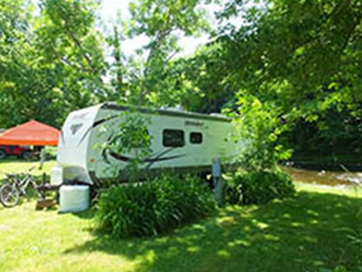 photo of trailer on campsite